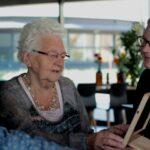 Saam Welzijn zoekt vrijwilligers voor huisbezoeken bij 75+ ers.